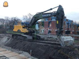 Volvo ec225e  Omgeving Steenwijk