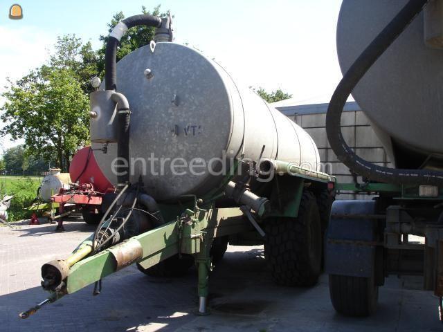 Tractor + waterwagen tank