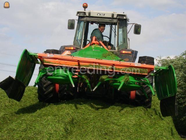 Tractor + opraapwagen Holaras Kuilverdeler
