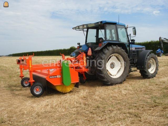 Tractor + veegmachine holarus