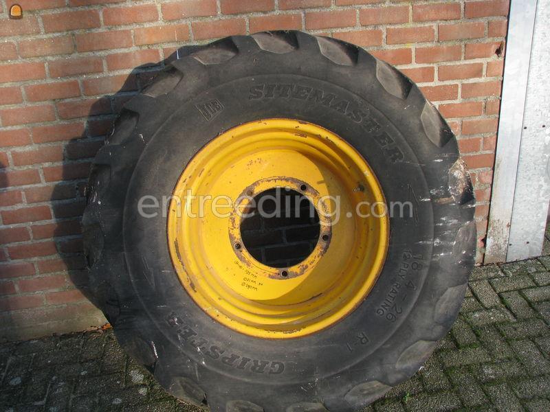 Te Koop Banden Tractor Vrachtauto Kraan Velg Met Band