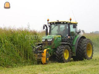 Tractor + voor en achter ... Omgeving Tiel
