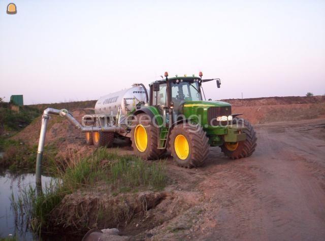 Tractor + waterwagen John Deere + waterwagen