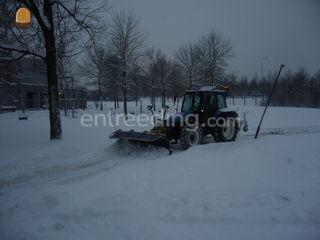 Trekker+sneeuwschuif Omgeving Alphen a/d Rijn