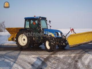 tractor+zoutstrooier en s... Omgeving Purmerend