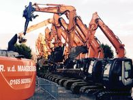 8 Hitachi machines