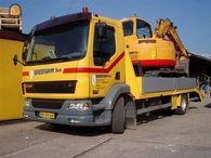 De gestolen DAF oprijwagen met midgraver