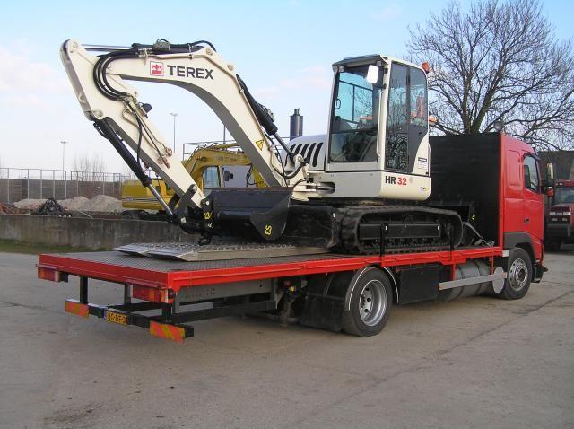 Terex Schaeff HR32 + oprijwagen