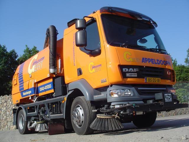 De nieuwe euro4 DAF LF55 met Johnston VS650 opbouw