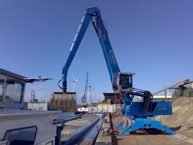 46 tons overslagmachine voor Gebr. van der Heiden