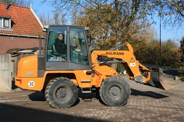 Gestolen Ahlmann AZ 85T van Dirk de Wit B.V. uit Linschoten