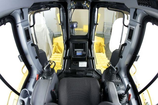 De nieuwe 21 tons D65 is vanaf voorjaar 2010 leverbaar.