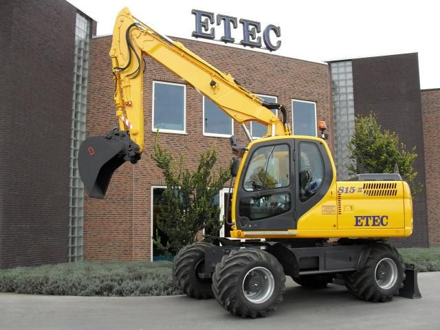 ETEC 815-II M mobiele graafmachine voor Loon- en Grondverzetbedrijf De Gier B.V.