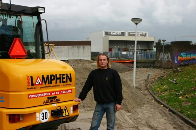 Ahlmann zwenklader AZ 90tele voor John Lamphen uit Oosthuizen