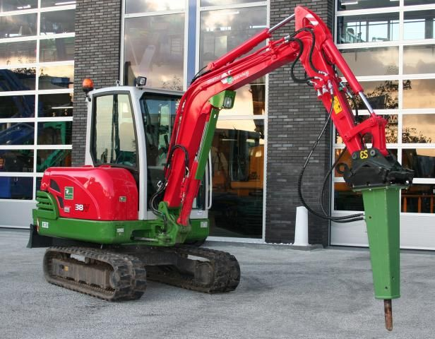 IHI 38N minigraver voor Fruit & Loonbedrijf Zwanenburg uit Linschoten