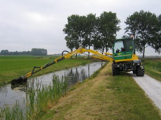 Energreen zelfrijdende maai/werktuigdragers voor C. Wit uit Blokker