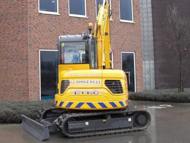 ETEC 806-II R compact midigraver voor Werktuigenverhuur firma Jongeneel uit Oud Alblas