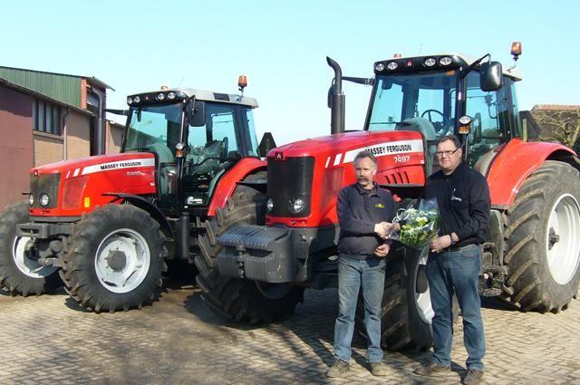 Massey Ferguson 7497 Dyna-VT en 6460 Dyna-6 voor Firma Kamphorst uit Ermelo