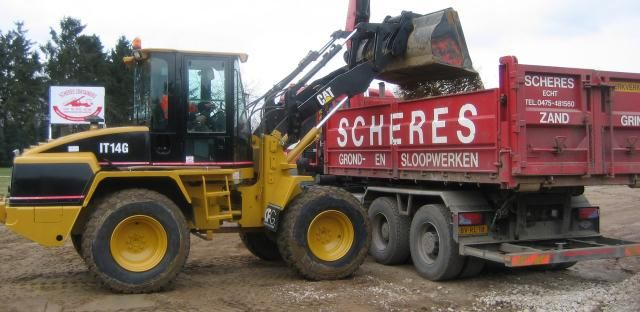 CAT IT14G wiellader voor Scheres Containers uit Pey Echt