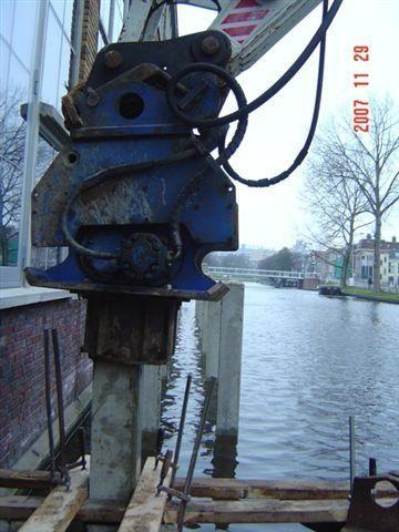 De vermiste trilblok van Van Vliet Waddinxveen B.V.