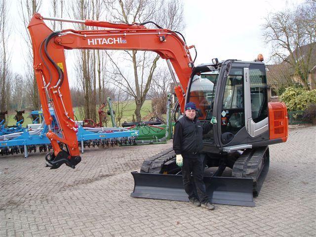 Hitachi ZX70LC-3 midigraver voor Loon- en Verhuurbedrijf De With en Zn. V.O.F. uit Leerdam