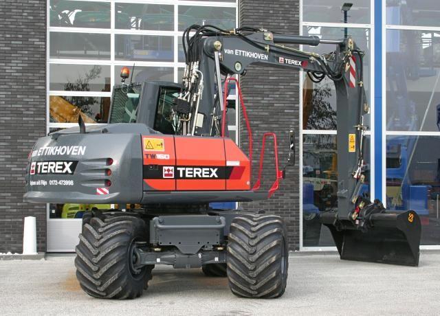TEREX TW160 mobiele graafmachine voor Van Ettikhoven uit Alphen a/d Rijn
