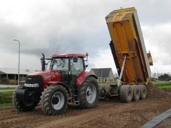 2 Case-IH Puma CVX 180 tractoren voor Out uit  Zwaagdijk