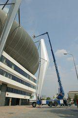 Vlagvertoon bij het PSV stadion in Eindhoven
