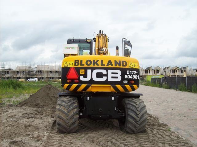 JCB JS145W mobiele graafmachine voor Blokland uit Ter Aar