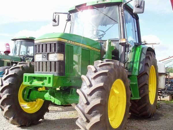 Vergelijkbare John Deere 6400 tractor zoals gestolen in Maasland