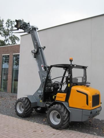 Tobroco machines BV de Nederlandse fabrikant van de Giant knikladers