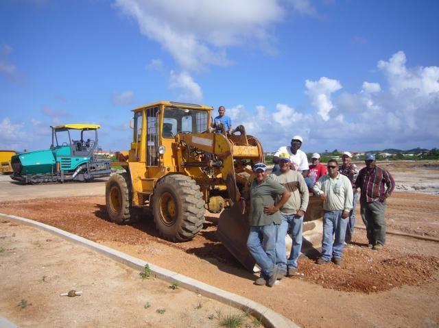 Eerste Ahlmann zwenklader op Aruba nog steeds aan het werk