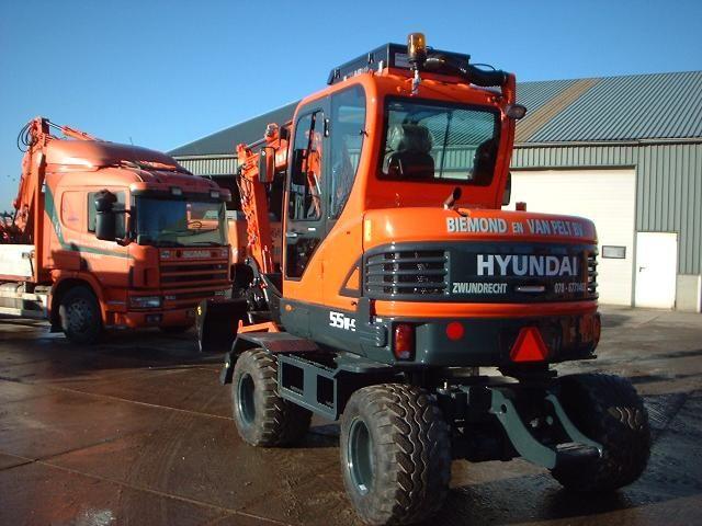 Hyundai R55W-9 mobiele midigraver voor Biemond en van Pelt uit Zwijndrecht