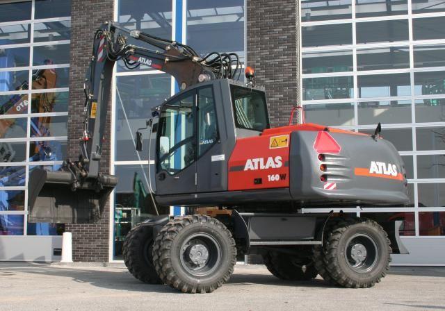 Atlas 160 W bandenkraan voor De Specht uit Naarden