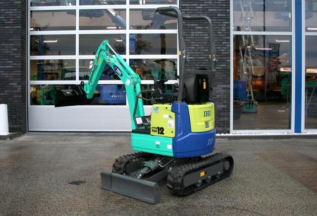 IHI 12 VXE micro-graver voor Sligtenhorst uit Vinkeveen
