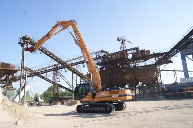 Case CX330 HRD High Reach Demolition rupsgraafmachine voor BTH uit Heel