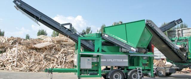 Komptech Splitter voor Fuhler loon- en verhuurbedrijf - groenafval uit Emmen