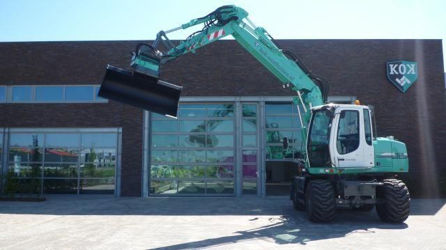 Liebherr A 314 mobiele graafmachine voor Kok uit De Goorn