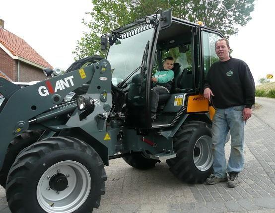 GIANT V 4502 Tminishovel voor Vledder Barsingerhorn