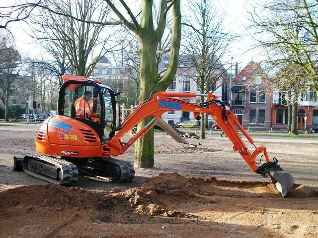 JCB 805 5RTS midi graafmachine voor Reijm BV uit Nieuwerkerk a/d IJssel