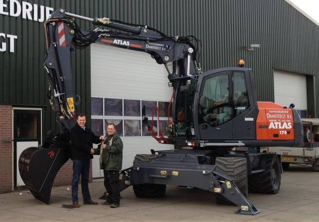 Atlas 170W mobiele graafmachine voor Damsteegt Waterwerken uit Meerkerk
