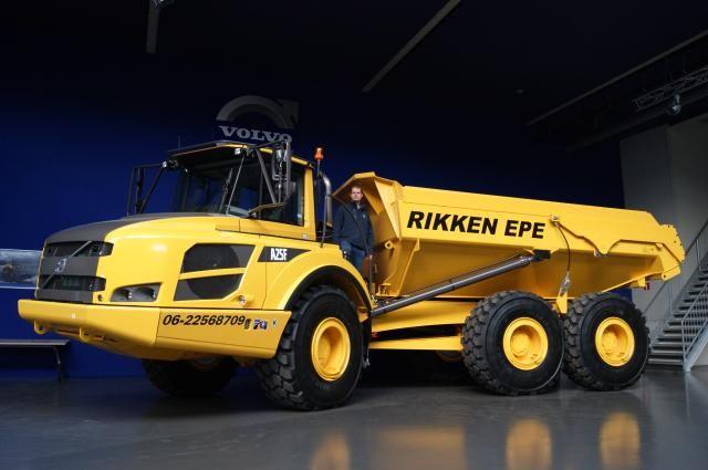 Volvo A 25 F dumper voor Rikken uit Epe