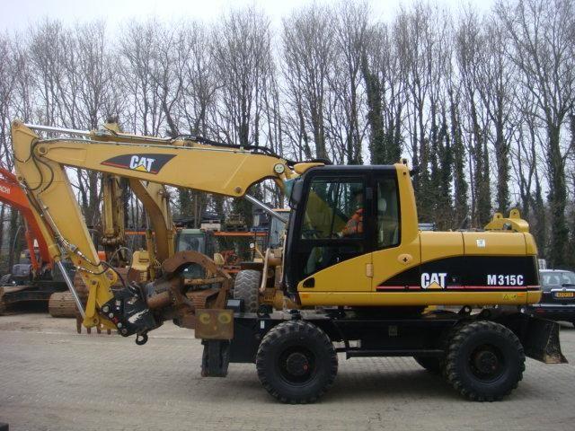 VERMIST: CAT M315C van AA Machines B.V. uit Dordrecht