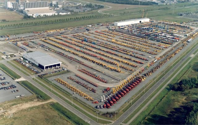 Bieden op honderden trucks bij Ritchie Bros. veiling Moerdijk