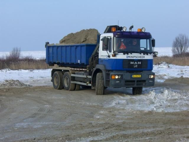 De gestolen MAN 6x6 containerauto kenteken BL-DG-95