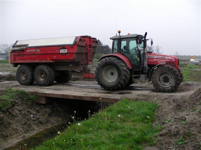 Gestolen Massey Ferguson 6480 tractor