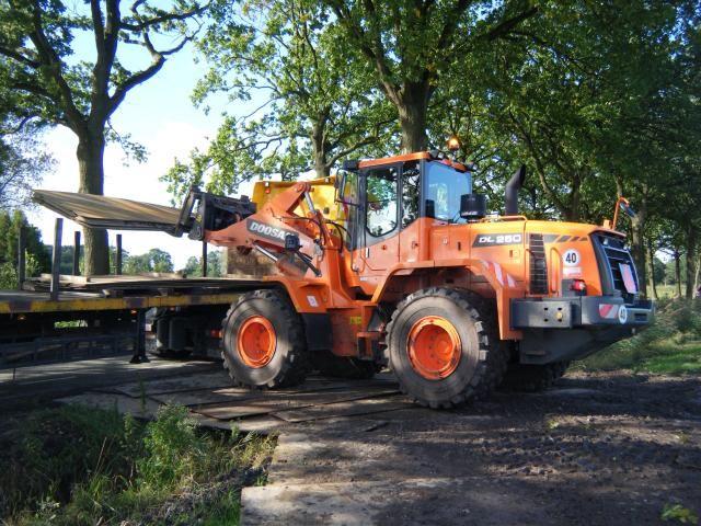 Doosan DL250 laadschop voor Blom Hofmeijer v.o.f. uit Voorst