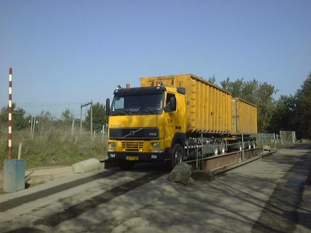 Een vergelijkbare Volvo containercombinatie van Vink Barneveld