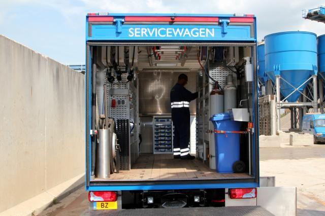 MAN TMG Mobiele werkplaats voor Theo Pouw uit Utrecht, veelzijdig voertuig voor reparaties aan groot grondverzetmaterieel
