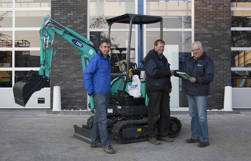 IHI 17VXE minigraver voor J.K.H. Coers Machineverhuur Vreeland